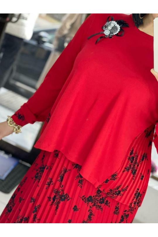 Красный  костюм с юбкой плиссе Арт. 1281