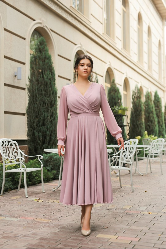 Пудровое нарядное платье из шелка Арт. 1378