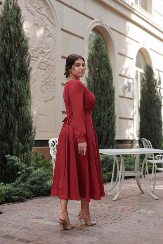 Рубиновое нарядное платье из шелка Арт. 1379